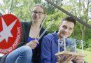 Zwei Teilnehmer von Jugend forscht